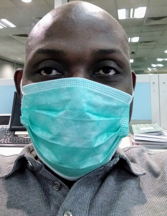 A man wearing face mask