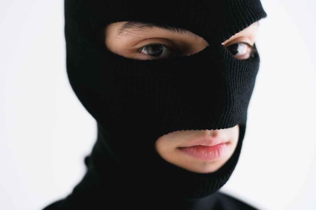 bandits mask - kidnapping stories